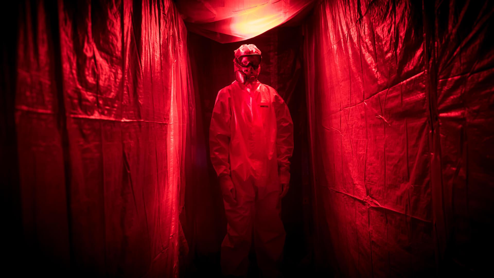 Chimiste dans un laboratoire clandestin de The Live Holdup